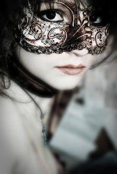 Musical mask. #belle #boudoir