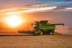 Agriculture Stock Photos and Commercial Photographer by Todd Klassy Photography - Agriculture Photos Commercial Farming, Agriculture Photos, John Deere Combine, New Tractor, Combine Harvester, License Photo, Farm Photography, John Deere Tractors, Jeep Truck