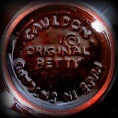 Markings on bottom of Brown Betty teapot. Photo courtesy of www.gravelandgold.com