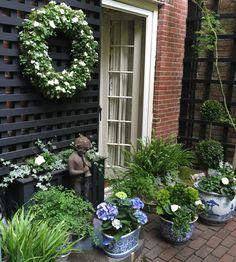 My friend jeanne's garden - the living wreath is fab