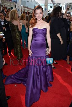 "#AlysonHannigan ""SWEET 16″ Charm On The #RedCarpet @ #EmmyAwards 2013 ;)"
