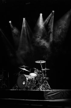 Drums x Hedi Slimane Hedi Slimane, French Photographers, Drums, Black And White, Soundtrack, Posters, Life, Music, Blanco Y Negro