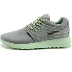 hot sale online 881ab 0295f Buy Nike Rosherun, Nike Roshe Running Shoes, Nike Roshe Run Women. Buy Nike  Roshe Run Shoes Online. Free delivery and returns a money back guarantee.