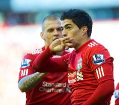 Luis Suarez celebrates his goal against Stoke for LFC.