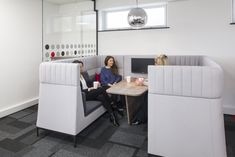 https://officesnapshots.com/2017/03/17/cappagh-offices-london/