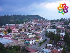 MICHOACÁN MÁGICO. La mejor forma para llegar a Tlalpujahua, desde el Distrito Federal es por la carretera con México Toluca, hasta Morelia y ahí encontrará señalamientos que le indicarán como llegar hasta el hermoso pueblo de Tlalpujahua. Una manera muy sencilla de planear un fin de semana diferente y divertido. Le invitamos a conocer las maravillas que le ofrece el maravilloso estado de Michoacán. HOTEL VILLAMONTAÑA http://www.villamontana.com.mx/