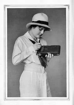 Pocket Kodak Autographic....     Catalog Kodak 1915 by Mario Groleau | mgroleau.com, via Flickr