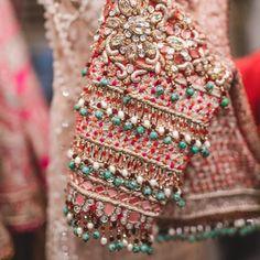 Latest 2020 Tarun Tahiliani Lehenga Prices Will.Shock You! Wedding Saree Blouse Designs, Half Saree Designs, Fancy Blouse Designs, Saree Blouse Neck Designs, Blouse Patterns, Hand Work Blouse Design, Stylish Blouse Design, Tarun Tahiliani, Charles James