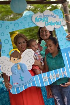 Photo idea for baptism Baby Boy Baptism, Baby Shawer, Baptism Party, Baby Party, Baby Shower Parties, Baby Boy Shower, Baptism Ideas, Party Photo Frame, Party Frame