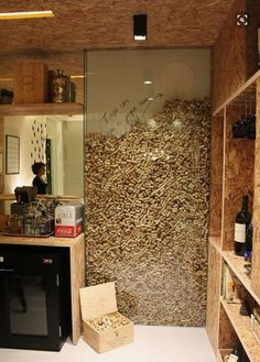 Inspiring Corkwall by Marcella Barcellar - House Decor Ideas 2019 Diy Home Decor Decoration Restaurant, Home Wine Cellars, Wine Cellar Design, Cork Wall, Wine House, Wine Cork Crafts, Wine Cork Projects, Wine Cork Art, Craft Projects
