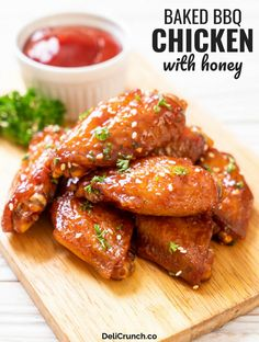 Baked bbq chicken wings recipe with honey is one of the easy and quick bbq chicken recipes that is baked in the oven and no marinade needed. Honey Glazed Chicken Wings Recipe, Baked Bbq Chicken Wings, Cooking Chicken Wings, Baked Chicken Recipes, Barbecue Chicken, Enchiladas Potosinas, Honey Recipes, Easy Recipes, Cooking Recipes