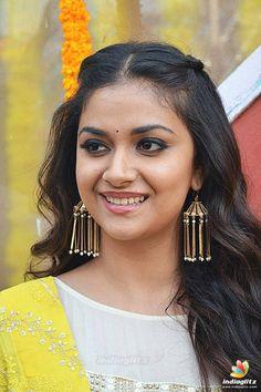 Indian Actress Images, Tamil Actress Photos, Indian Film Actress, Indian Actresses, Bollywood Actress Bikini Photos, Beautiful Bollywood Actress, Beautiful Actresses, South Actress, South Indian Actress