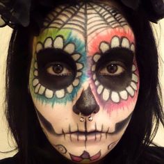 Sugar Skull Make-Up für Halloween