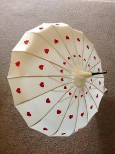 Ivory Edwardian Style Umbrella with Cascade of Red Heart Design Umbrella Art, Folding Umbrella, Under My Umbrella, Umbrellas For Sale, Cute Umbrellas, Umbrellas Parasols, Edwardian Fashion, Accessories