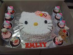 hello kitty cupcakes | Hello Kitty Fresh Cream Cakes & CupCakes