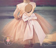 "Gold champagne blush flower girl tutu dress with big bow - ""April"" dress in champagne glitter Style flowergirl Princess Flower Girl Dresses, Flower Girl Tutu, Blush Flower Girl Dresses, Princess Tutu, Tutu Dresses, Pageant Dresses, Couture Dresses, Dance Dresses, Party Dresses"