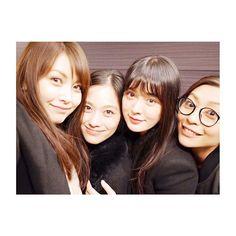 昨夜は この4人で過ごしました。 しーやんを囲んで 内田慈ちゃん、小澤真利奈ちゃん! #貫地谷しほり生誕祭#前夜祭#おめでとう#ふふふ#大好きな人たち