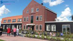 Op vrijdag 30 september was de open dag van Seevancksweg in Oosthuizen. De locatie heeft veel mensen een inkijkje gegeven hoe de cliënten leven in de Arendshoeve. Naast de burgemeester en andere betrokkenen, hield ook Ineke Huibregsten, onze directeur, een korte speech. Een geslaagde dag!