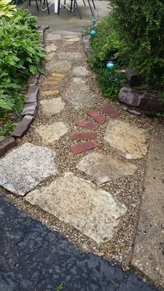 c10599323a54869db2f5ebed027302e3--flagstone-walkway-gravel-patio South West Brick Pea Gravel Garden Design on