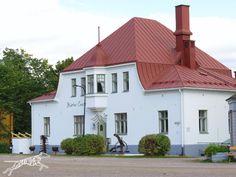 Vanha kanttorila, Suolatori, Loviisa, Finland Old Houses, Finland, Mansions, House Styles, Outdoor Decor, Home Decor, Decoration Home, Room Decor, Old Homes