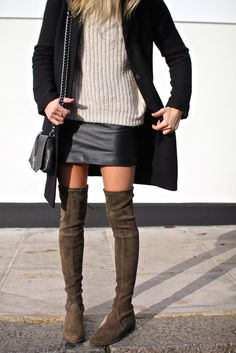Black skirt | Outfit | Fall winter | How to wear a skirt | Inspiration | Style | Streetstyle | Overknee boots