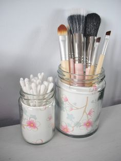 DIY Vintage Style Jam Jar Make Up Brush Holders.. (she did it without it costing anything!)