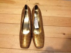 Women's Brown Croc Style Heels Size 8 1/2 M Cara Mia #caramia #PumpsClassics