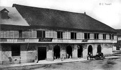 Café and Chocolate Factory in Binondo, Manila, Philippines, 1900 or before - philippines holiday Colonial Architecture, Historical Architecture, Philippine Architecture, Philippine Holidays, Intramuros, Filipiniana, Manila Philippines, Chocolate Factory, Pictures To Paint