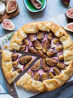Fig, Honey and Goat Cheese Galette is a fig lover's dream, and one of my favorite ways to enjoy fig season. Nestled in a flaky, buttery crust are sweet figs, tangy goat cheese and drizzles of sweet honey. Fig Recipes, Tart Recipes, Dessert Recipes, Cooking Recipes, Waffle Recipes, Recipes With Figs, Pancake Recipes, Korean Recipes, Crepe Recipes