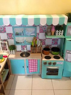 How to make a play kitchen out of boxes