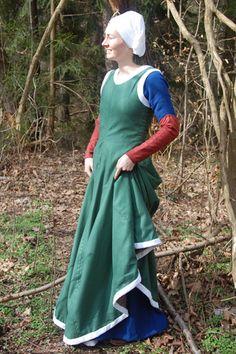 sent 1400tal  sleeveless gown