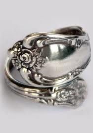 DIY Spoon Ring ...  Think I like some of these rings....