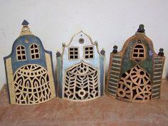 svítící dům Kitsch, Ceramic Workshop, Ceramic Houses, Miniature Houses, Little Houses, Lanterns, Miniatures, Pottery, Totems
