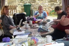 Knitting Holidays In France : Sarah and hazel concentrating on their knitting at purlescence