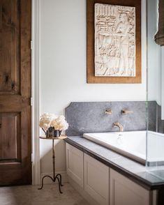 Home Interior Design .Home Interior Design Timeless Bathroom, Beautiful Bathrooms, Modern Bathroom, Small Bathroom, Master Bathroom, Parisian Bathroom, Washroom, Bathroom Wall, Bathroom Ideas