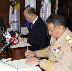 Medio Ambiente y Ministerio de Defensa firman acuerdo para evitar tala indiscriminada de bosques