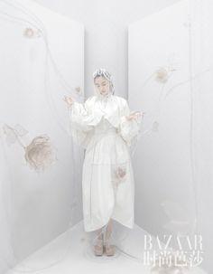 BAZAAR × Angelababy (11/2020) Angelababy, Elsa, Disney Characters, Fictional Characters, Statue, Disney Princess, Drama, Magazine, Dramas