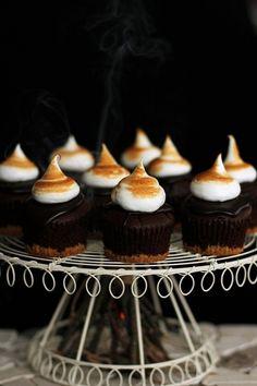S'mores Cupcakes (ogniskowe babeczki)