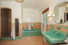 Never Change, Colorful Tile Bathrooms in Old LA Houses - On the Tiles - Curbed LA 1930s Bathroom, Mid Century Bathroom, Art Deco Bathroom, Vintage Bathrooms, Tile Bathrooms, Bathroom Ideas, Green Bathrooms, Bathroom Pictures, Bathroom Designs
