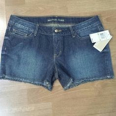 *Micheal kors shorts Nwt bought off posh and the didn't fit me at :( says size 4 , but took them to my alteration lady and they are more like a 9/10 Michael Kors Jeans