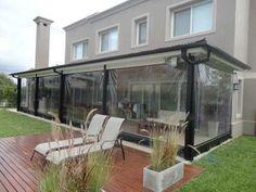 Resultado de imagen para quinchos cerrados con aberturas de aluminio Casa Patio, Pergola Patio, Backyard Patio, Cafe Exterior, Cottage Exterior, Closed In Porch, Porch Enclosures, Gazebos, Outdoor Blinds