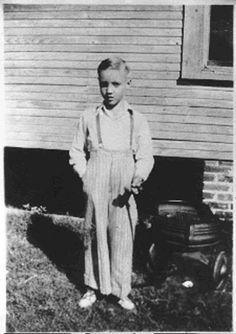 Elvis Presley ~ Tupelo, Mississippi 1943