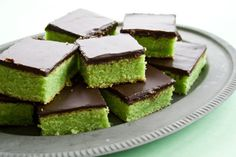 Hulk & chocolate cake (?