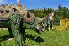 KARŁÓW - Park dinozaurów - Dinozaury to tylko duże nieruchome figury, których nawet nie można dotknąć, brak dodatkowych atrakcji.