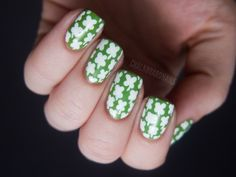 Enjoy the collection of nail art in green and white combination. These are the some of unique nail art designs which you will love. Green And White Nail Art Design 1 Lovely white flowers with dark green leaves on … Continue reading → Fancy Nails, Cute Nails, Pretty Nails, Shiny Nails, Nail Art Designs, Nail Polish Designs, Pedicure, Chalkboard Nails, St Patricks Day Nails