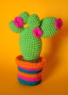 Chica outlet & DIY: More cactus! Crochet Animals, Crochet Toys, Free Crochet, Crochet Clothes, Knit Crochet, Amigurumi Patterns, Knitting Patterns Free, Crochet Patterns, Free Pattern