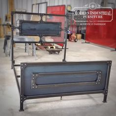 Considering Uncomplicated Solutions In DIY Black Smith Metal Working - Thenton Cama Industrial, Modern Industrial Furniture, Unique Furniture, Classic Furniture, Vintage Industrial, Welded Furniture, Steel Furniture, Furniture Nyc, Furniture Stores