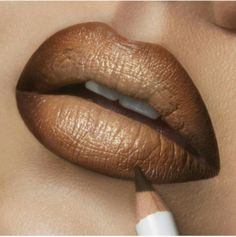 Brown ombre lips
