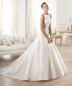 Pronovias 2018 / The wisdom and skill of expert seamstresses transform fine fabrics into haute couture designs. These wedding dresses are pure magic. Pronovias has designed a collection to enchant not only romantic, classic brides, but also modern. Pronovias Wedding Dress, Wedding Dress Organza, Wedding Dress Sizes, Perfect Wedding Dress, Gown Wedding, Inexpensive Wedding Dresses, Elegant Wedding Gowns, Wedding Dresses 2014, Bridal Dresses