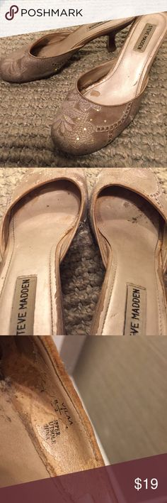 00946238ac95fe Steve Madden champagne kitten heels with sparkles Steve Madden champagne  kitten heels with sparkles. Size